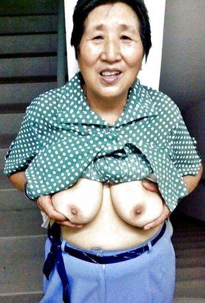 Asian Older Women Porn Pictures