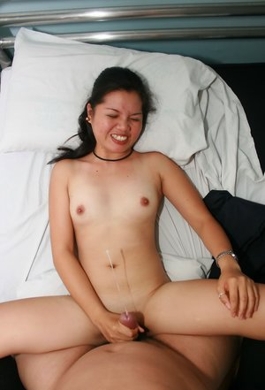 Asian Tugjob Porn Pictures
